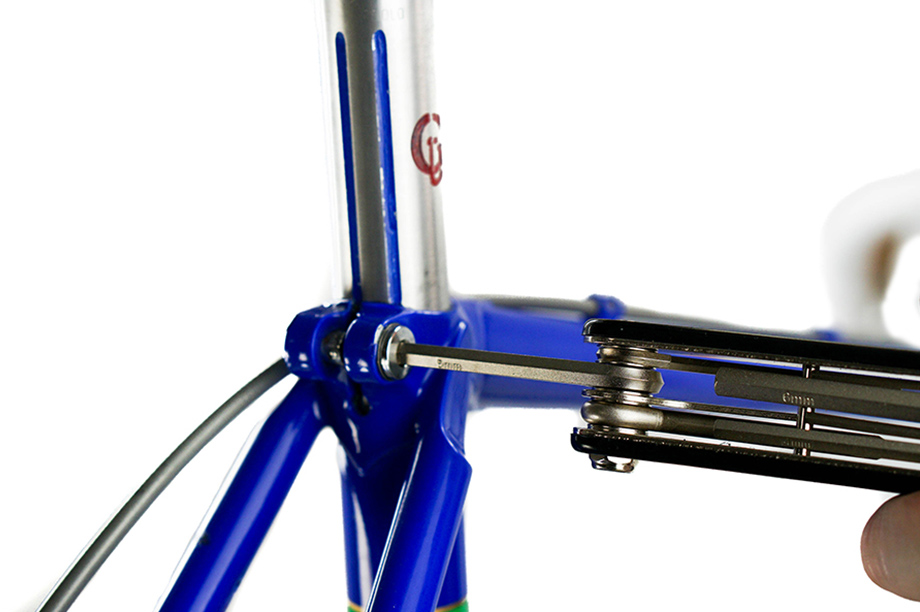 Attaching the Seatpost