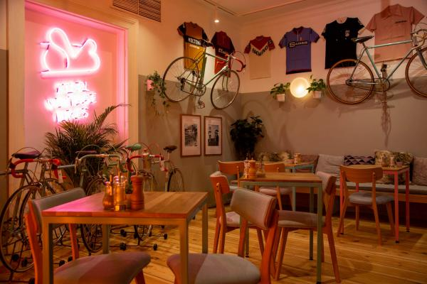 New Steel Vintage Bikes Café Opened!